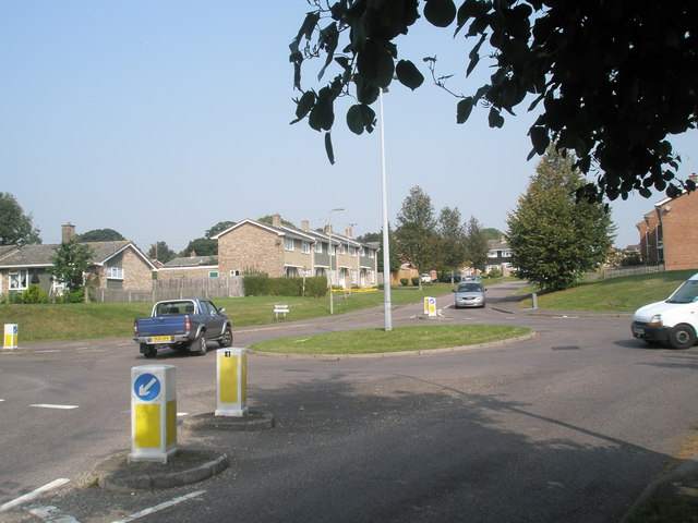 Looking from Hoe Road into Willow Road