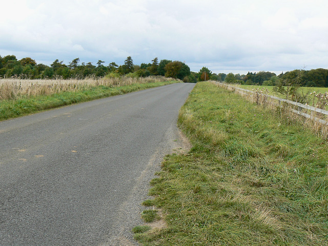 Chipping Norton Road towards its junction with the A361, near Chipping Norton