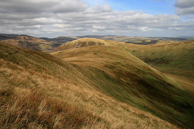 The northeast ridge of Five Cairns Hill