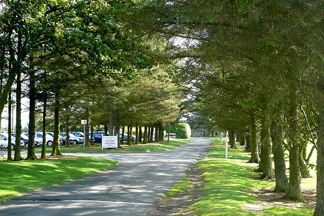 Approach to Foxton Hall
