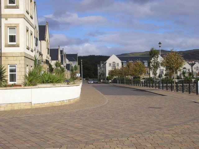 Road round Inverkip Marina