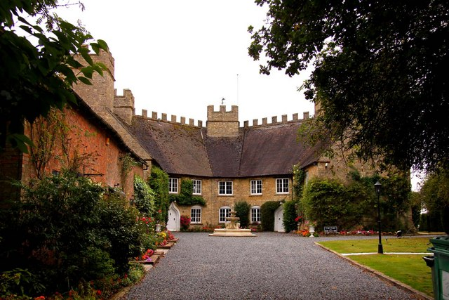 Stowe Castle Farm