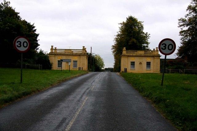 Gatehouses on Stowe Avenue