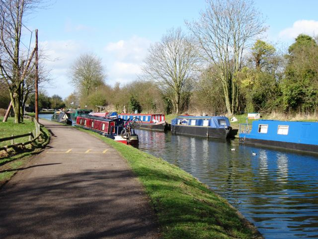 Grand Union Canal: Narrowboat Moorings at the Tring Summit, Bulbourne