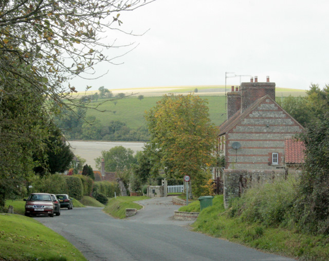 2009 : Entering Monkton Deverill from the south east