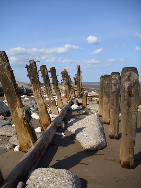 Remains of sea defences, Spurn