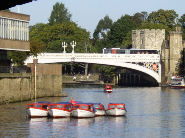 A raft of boats on the Ouse