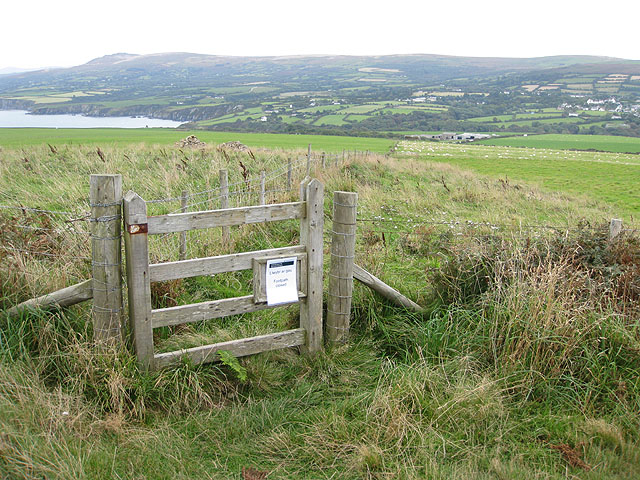 Path to Island Farm, Dinas Island