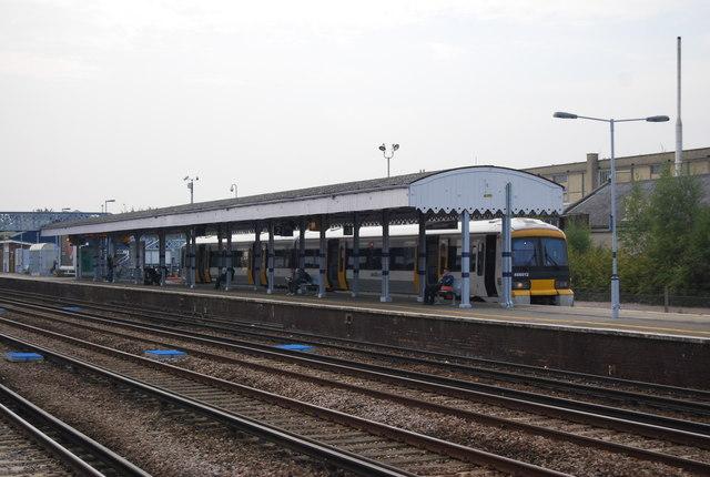 Strood train at Platform 3, Paddock Wood