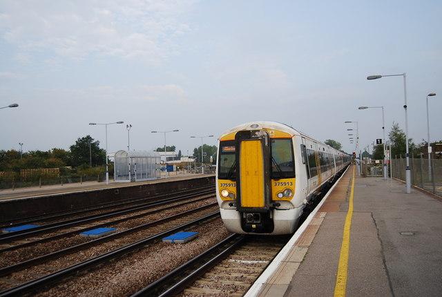 London train arrives at Platform 1, Paddock Wood