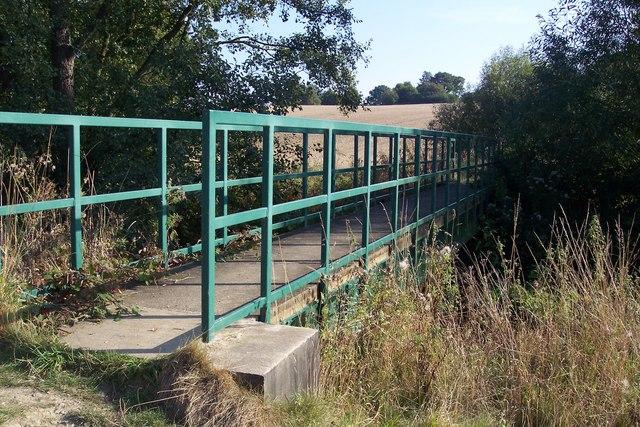 Footbridge over River Teise