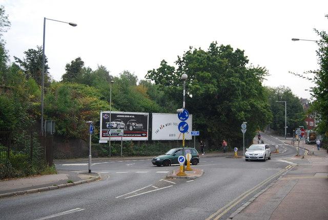 Roundabout, Upper Grosvenor Rd