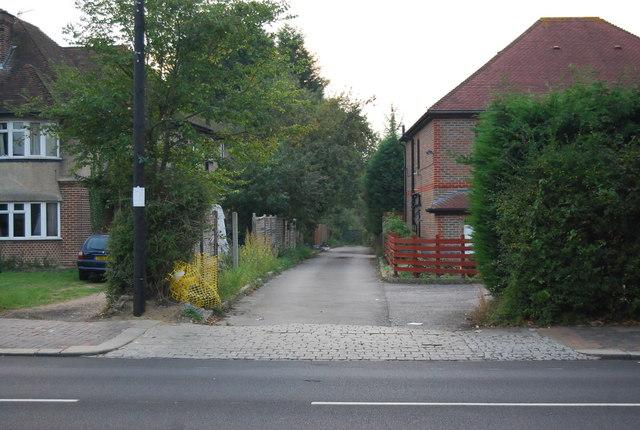 Lane off St John's Rd