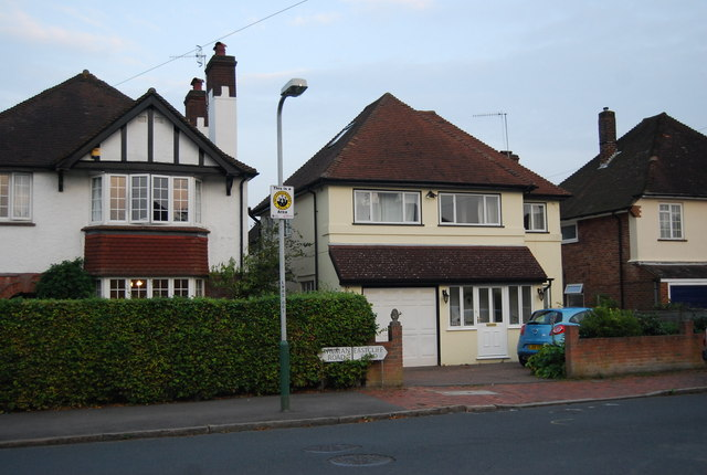 Wilmans Rd becomes Eastcliffe Rd