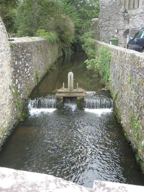Sluice controlling the river Alun beside St David's Cathedral