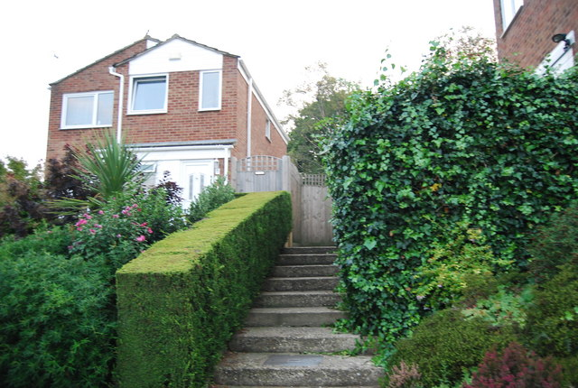 Permissive path from St Michael's Road to Newland Road