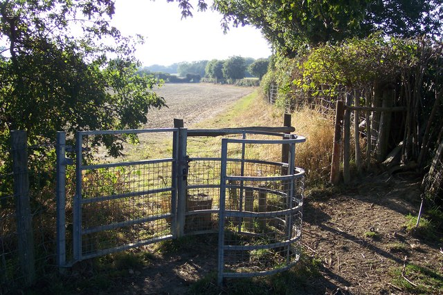 Kissing gate near Spelmonden Farm