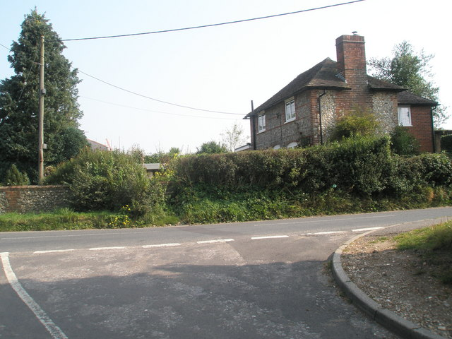 Junction of Hoe Road and Paradise Lane