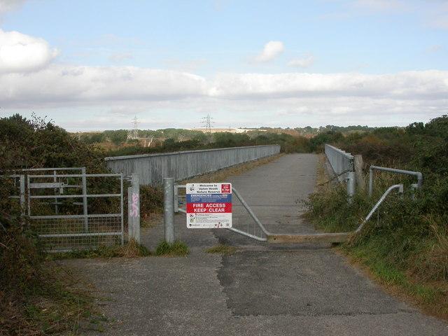 Upton, footbridge