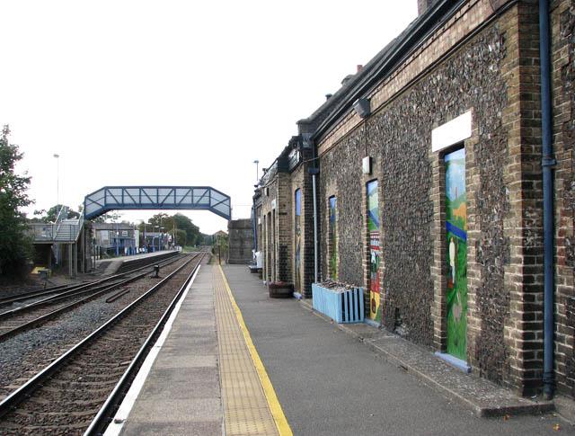 Brandon railway station - view west along the eastbound platform