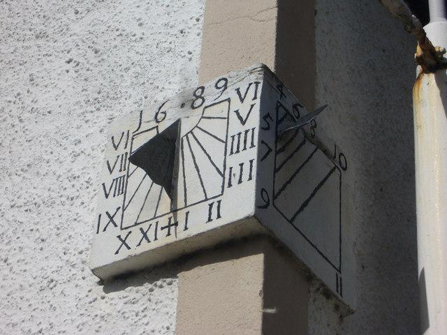 17thC sundial, Limekilns