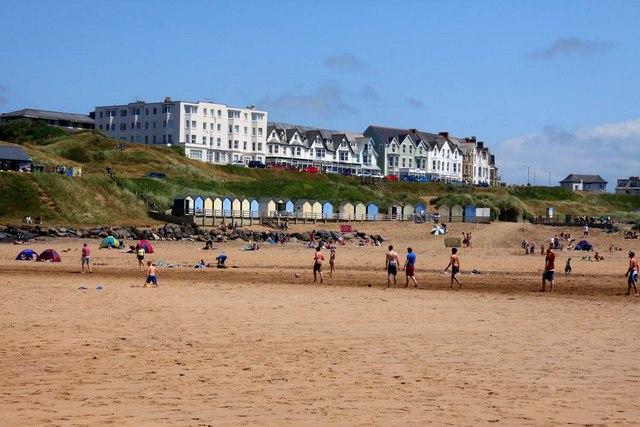Beach Huts by Summerleaze Beach
