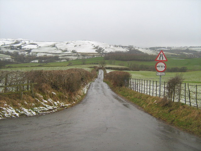 The lane to Crook of Lune bridge