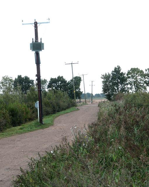 Farm road by Engine Farm