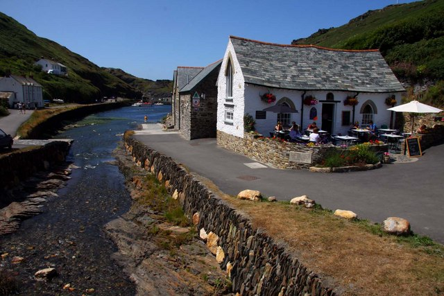 The Harbour Lights in Boscastle