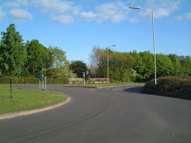 Traffic Island between Sandy Way and Mercian Way (3)