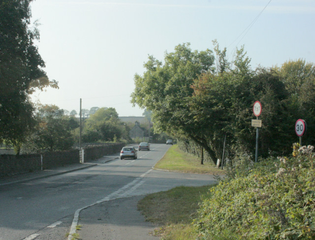 2009 : B4465 heading east at Codrington