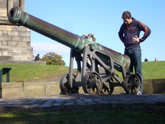 Portuguese gun, Calton Hill