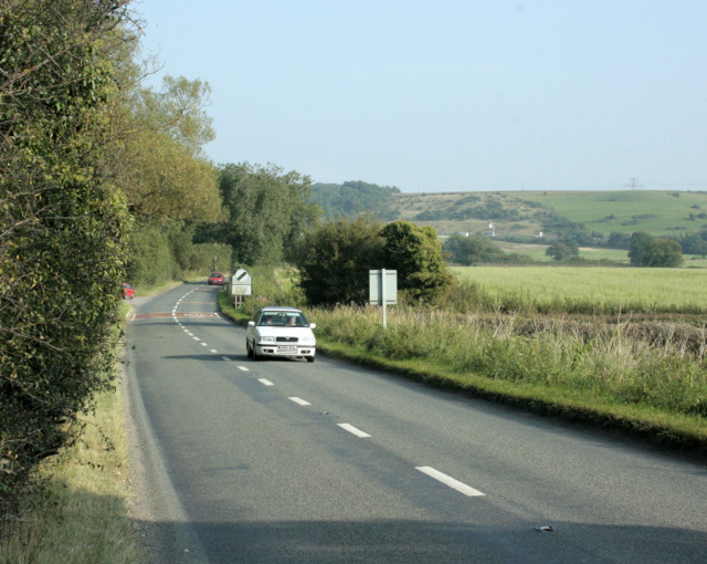 2009 : B4465 looking east near Codrington