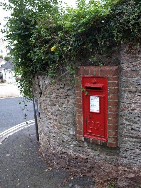 George V postbox, Oakhill Road, Torquay