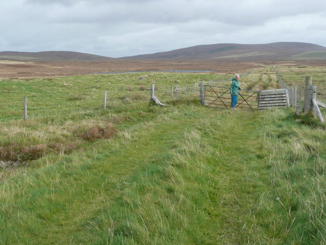 Gate on green lane at Claddach Chnoc a Lin