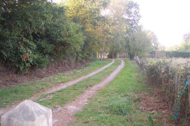 The High Weald Landscape Trail heads past Shirrenden Farm