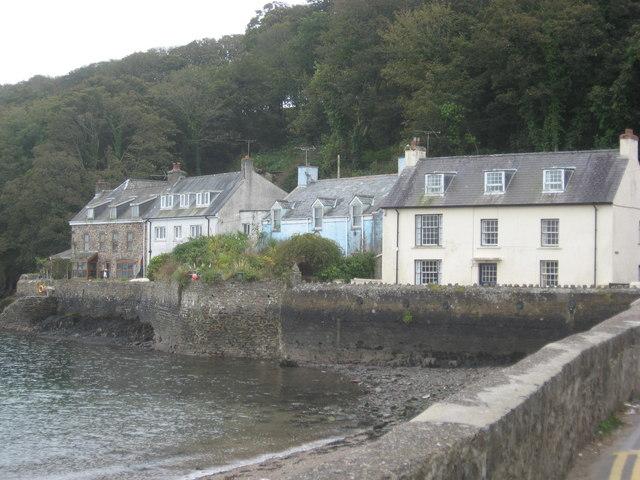 Harbourside cottages at Dale