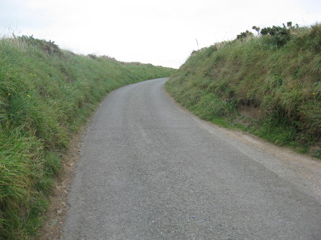The road from Hook Farms down to Martin's Haven