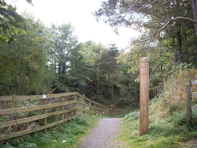 Path access to former Deeside Railway