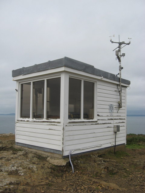 Former Coastguard lookout hut, now manned by volunteers