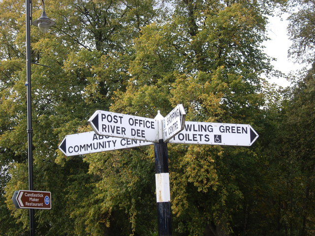 Local amenity sign posts, Aboyne