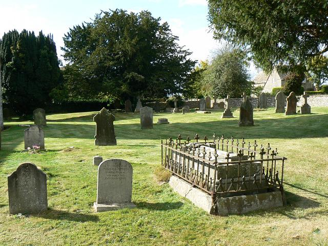 Churchyard and graves, St Matthew's church, Coates