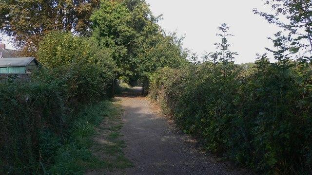 Footpath on Hayling Island behind Kings Road