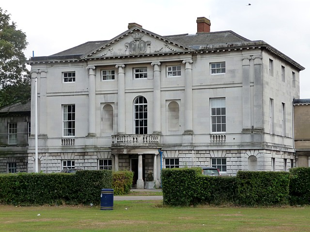 Hare Hall, Upper Brentwood Road