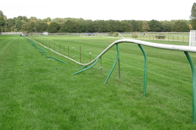 Re-erecting a collapsible barrier, Warwick racecourse