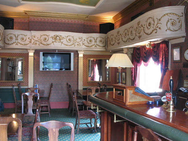 The Victoria, Strathearn Place / Sussex Place, W2 - Theatre bar (3)
