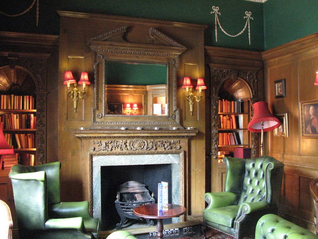 The Victoria, Strathearn Place / Sussex Place, W2 - Library bar