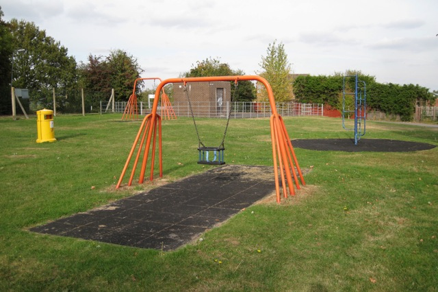 Play area and utility compound, Chichester Avenue, Hampton Magna