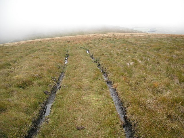 Tyre marks, The Mount
