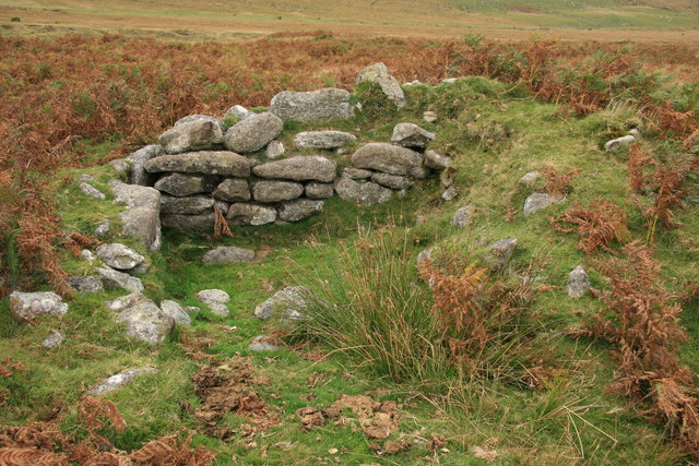 Remains of a shelter near Taw Marsh